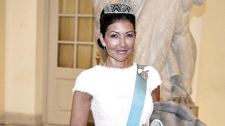 Grevinde Alexandra ved gallataffel på Christiansborg Slot i anledning af kronprinsens 50 års fødselsdag.