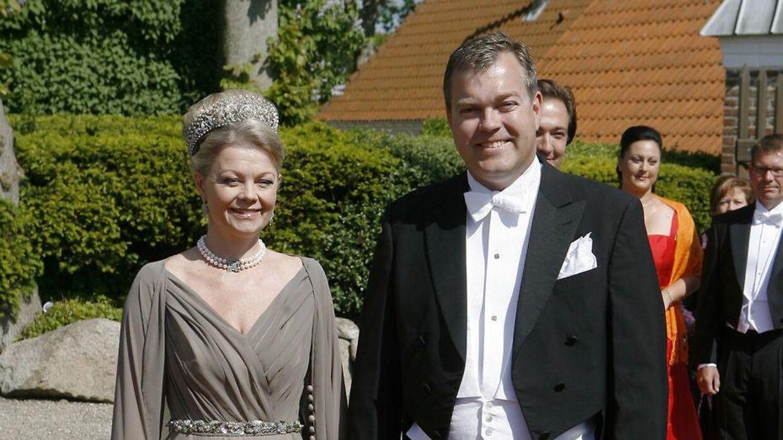 Det er greve Christian Ahlefeldt-Laurvig, der her ses med sin kone, grevinde Mette Ahlefeldt-Laurvig, der har udtalt sig om Valdemars Slots situation.
