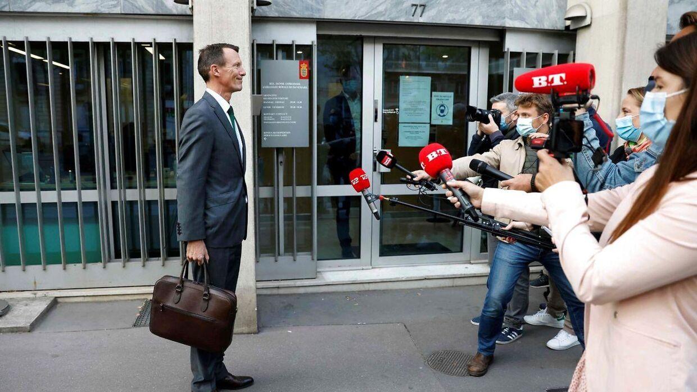 Prins Joachim, da han mødte den danske presse på sin første arbejdsdag på ambassaden.