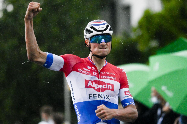 Mathieu van der Poel vandt både 3. etape og kørte sig i førertrøjen tirsdag i Schweiz Rundt. Gian Ehrenzeller/Ritzau Scanpix