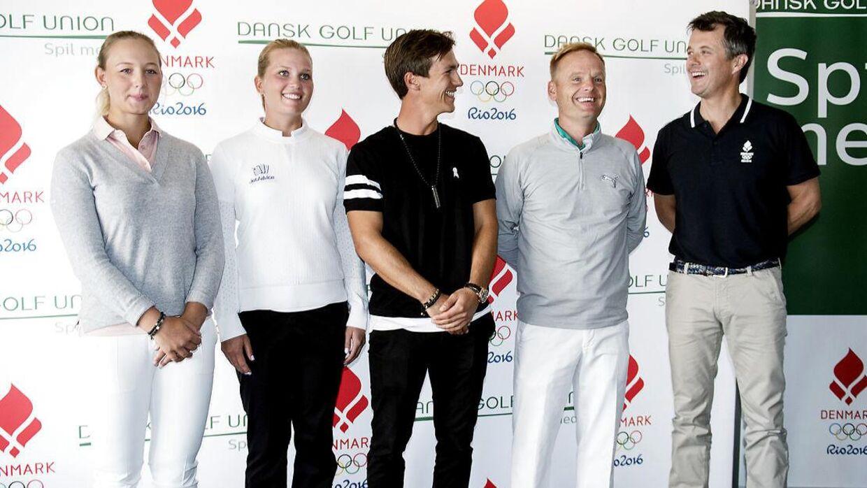Kronprins Frederik er meget interesseret i sport og ses her i 2016 med de danske golfspillere forud for OL.