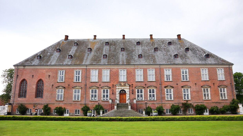 Valdemars Slot har i 12 generationer tilhørt familien Iuel.