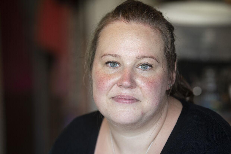 Dina Sommer Møller fører et stramt budget for at få kontanthjælpen til at række. Foto: Jens Nørgaard Larsen/Byrd