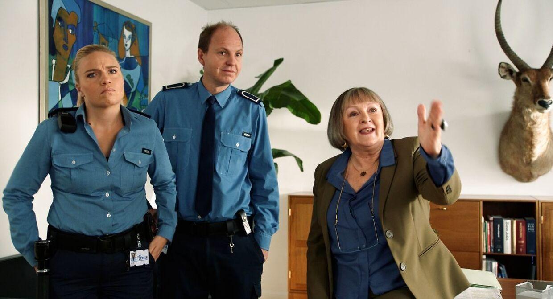 Josephine Park, Rune Klan og Kirsten Lehfeldt i 'Centervagt'.
