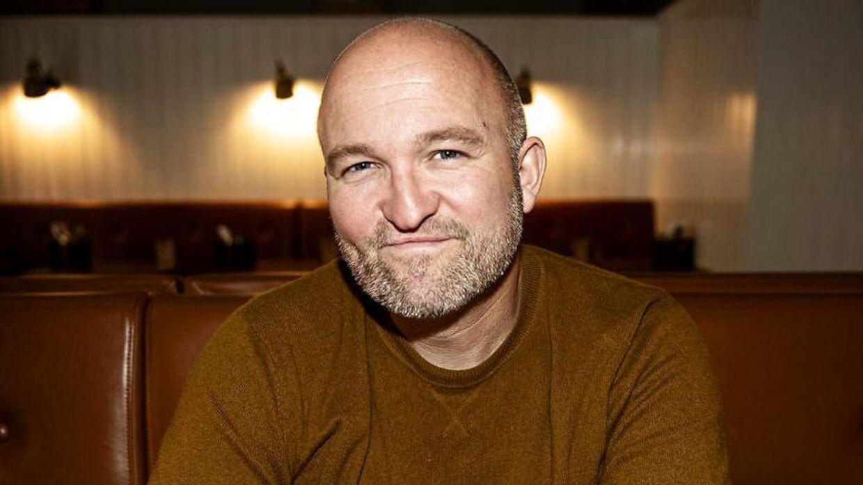 Anders Aagaard ejer en stribe restauranter i København, her fotograferet på én af dem, Bistro Royal.