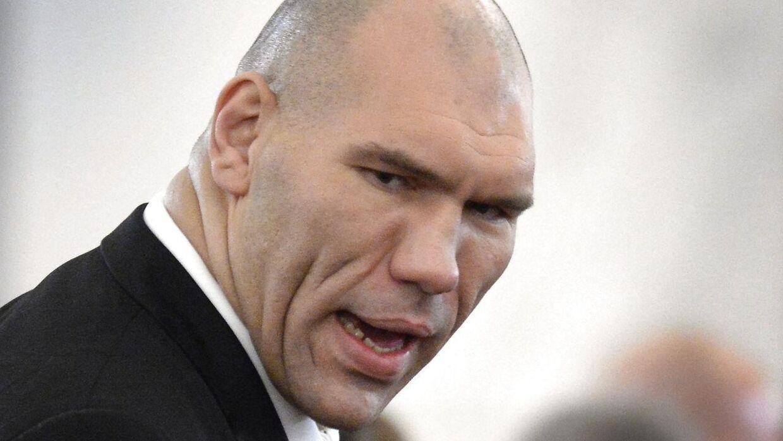 Den tidligere verdensmester i sværvægt og nu russiske politiker Nikolai Valuev raser mod dansk politi.