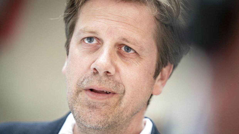 Administrerende direktør i DBU, Jakob Jensen, forsikrer om, at de arbejder i døgndrift for at få så mange tilskuere på stadion som muligt.