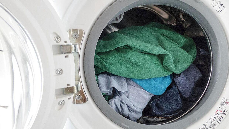 Lad være med at vaske dit tøj for hårdt lyder rådet.