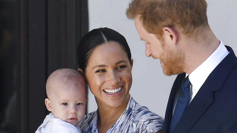 Prins Harry og hertuginde Meghan med sønnen Archie i 2019.