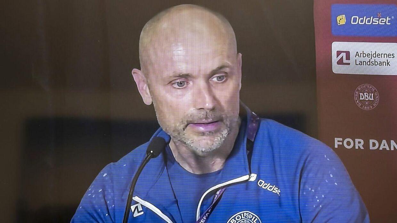 Landsholdslæge Morten Boesen på søndagens virtuelle pressemøde.