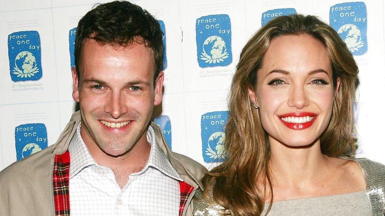 Arkivfoto af Angelina Jolie og Jonny Lee Miller.