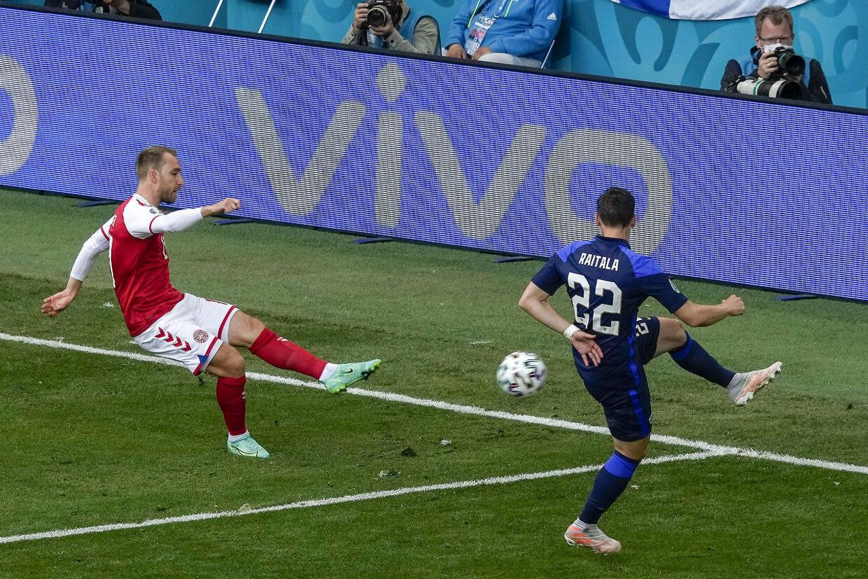 Christian Eriksen under kampen mod Finland, inden han kollapsede kort før pausen.