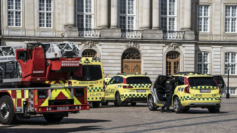 Københavns Politi rykker ud til Det Gule Palæ i Amaliegade 18 ved Amalienborg i København, tirsdag den 15. juni 2021. (Foto: Emil Helms/Ritzau Scanpix)