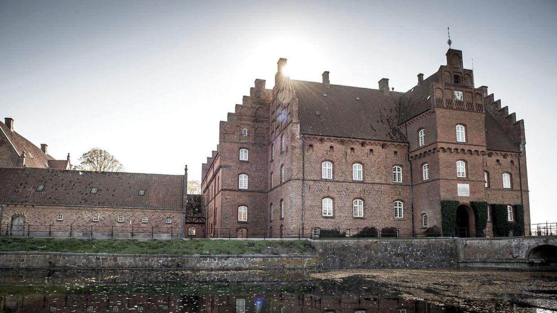 Gisselfeld Slot har været rammen om et kæmpe familieopgør i en af landets fineste adelsfamilier.