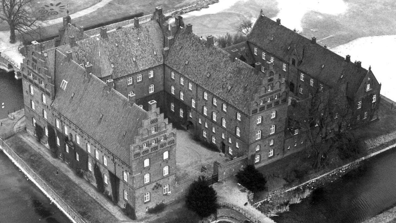 Gisselfeld Kloster har i 60 år været rammen om en familieballade.