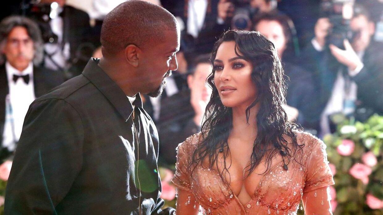 Kim Kardashian med sin kommende eksmand, Kanye West.