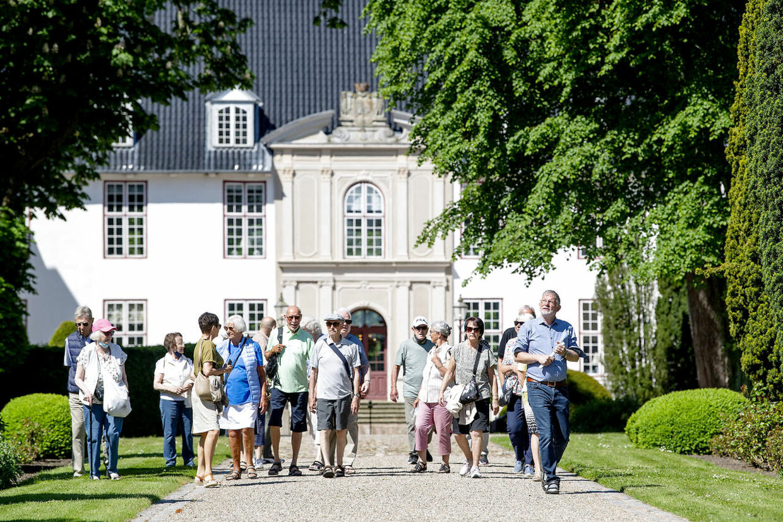 I dag er slottet og parken åbent for alle. Foto Bax Lindhardt.