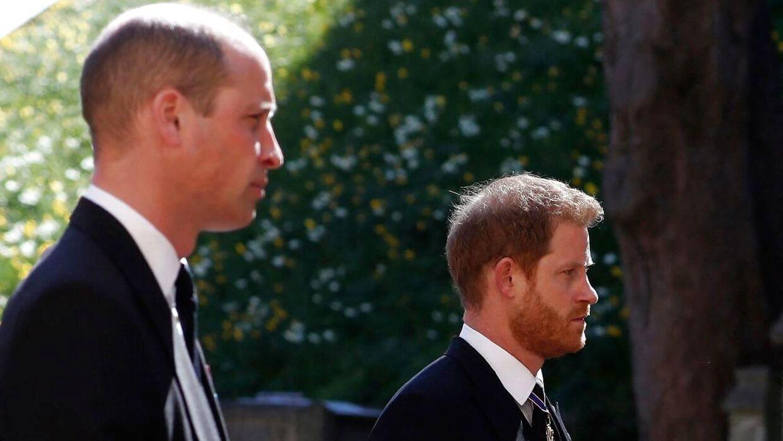 Forholdet mellem William og Harry har været meget dårligt længe. Her ses parret ved deres farfar, prins Philips, begravelse.