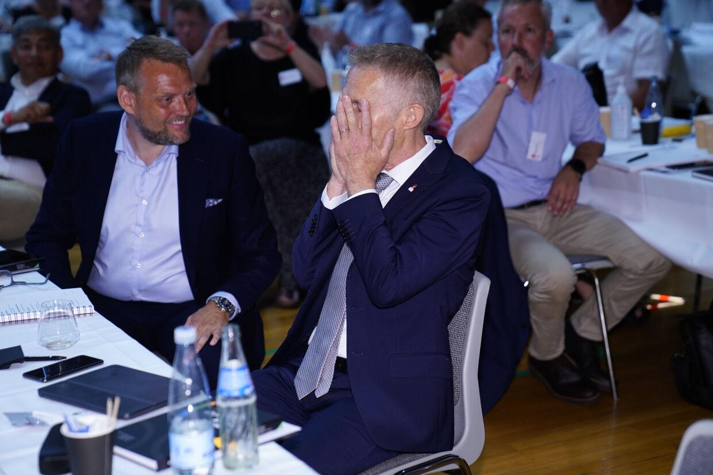 Hans Natorp (til højre) vandt med stemmerne 76-71 kampvalget om formandsposten i DIF over Thomas Bach (til venstre) Martin Sylvest/Ritzau Scanpix