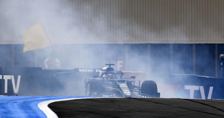 Yuki Tsunoda (Alpha Tauri-Honda) crashede under kvalifikationen og skal derfor starte Frankrigs Grand Prix fra sidste række.
