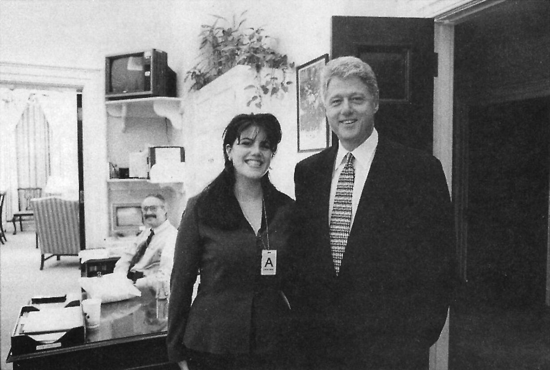 Monica Lewinsky var praktikant i Det Hvide Hus. Det endte med en historisk skandale omkring hendes affære med præsidenten. AFP PHOTO.