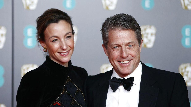 Anna Elisabet Eberstein og Hugh Grant til BAFTA-prisuddelingen i februar 2020.