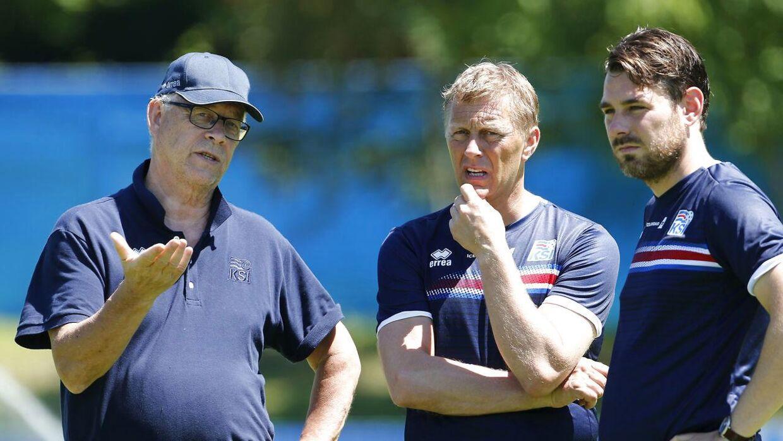 Freyr Alexandersson med den tidligere islandske landstræner Lars Lagerbaeck samt Heimir Hallgrimsson.