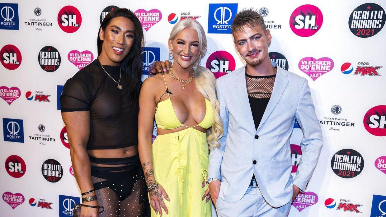 Sy Lee ankom til Reality Awards sammen med realitykollegaerne Trine Skjollander og Sigmund Trondheim. Både Trine og Sigmund blev ligeledes smittet med corona til eventet og viste heller ikke coronapas i indgangen, har de tidligere fortalt til B.T.