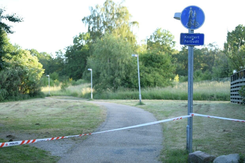 Politiet er rykket ud til et knivstikkeri i Hillerød. Foto: presse-fotos.dk