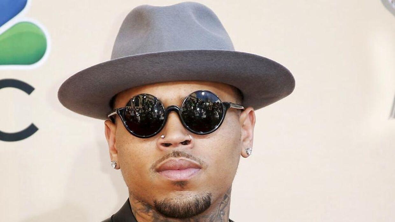 (ARKIV) Singer Chris Brown poses at the 2015 iHeartRadio Music Awards in Los Angeles, California. Søndag den 5. maj 2019 fylder den amerikanske sanger og skuespiller Chris Brown 30 år.. (Foto: DANNY MOLOSHOK/Ritzau Scanpix)