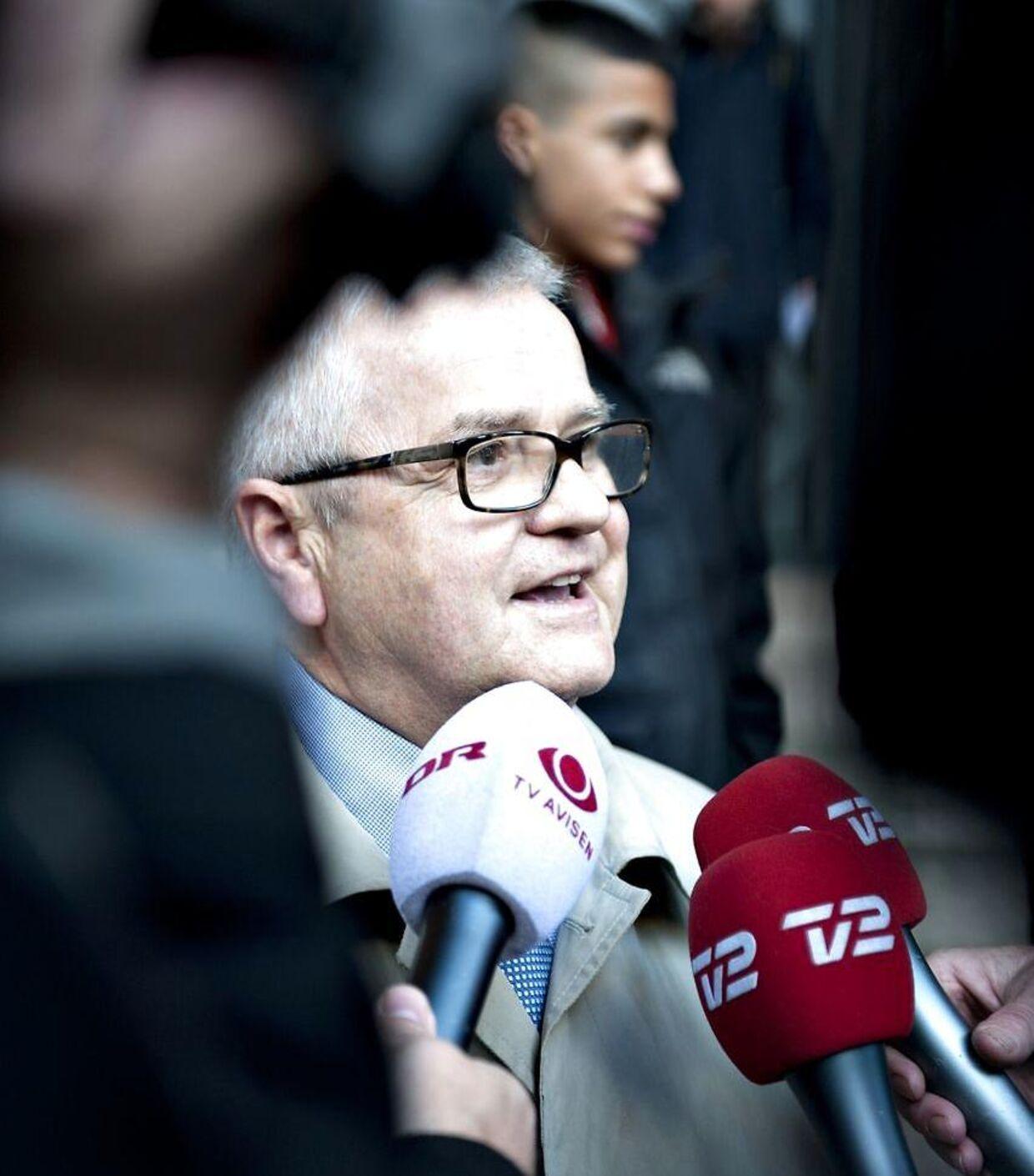 Advokat Anders Hvass var forsvarer for spindoktor Jacob Winther i forbindelse med lækagesagen. Her foran byretten 21. oktober 2010.