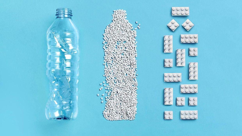 Lego er nu klar med den første protoypeklods af genbrugsplast fra en flaske.