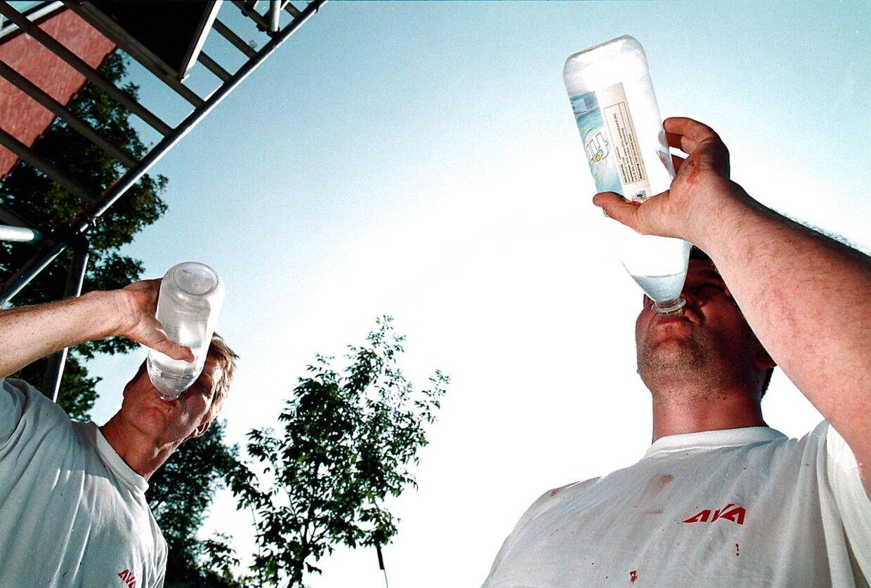 Danskerne er vilde med vand på flaske. Vi drikker i gennemsnit 20 liter per indbygger om året.