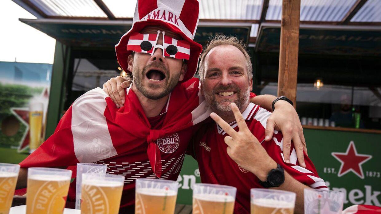 Hvad gør man som fodboldfan på lørdag?