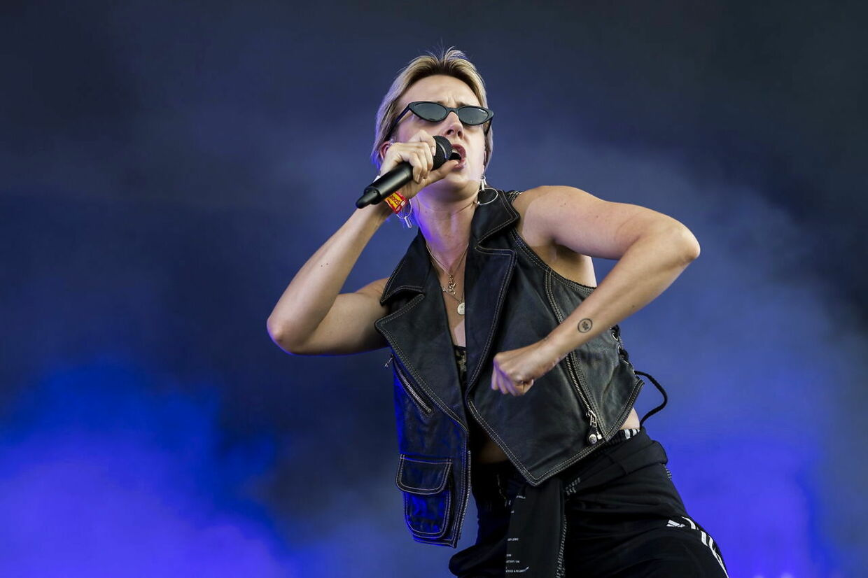epa06948033 Danish singer and songwriter Karen Marie Aagaard Orsted Andersen, known by her stage name MO, performs at the 26th Sziget (Island) Festival on Shipyard Island, Northern Budapest, Hungary, 13 August 2018. The Sziget Festival is one of the biggest cultural events of Europe offering art exhibitions, theatrical and circus performances and above all music concerts. The festival runs between 08 and 15 August. EPA/Marton Monus HUNGARY OUT