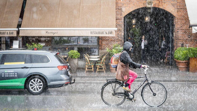 Prognoserne er lige nu lidt usikre, men DMIs vagthavdende tror den kraftige regn kommer.