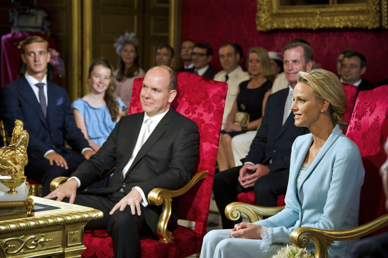 Fra den civile vielse 1. juli. Årsagen til de to bryllupsdage skal findes i de monegaskiske bryllupstraditioner. Der er et ægteskab først juridisk bindende efter den borgerlige ceremoni.