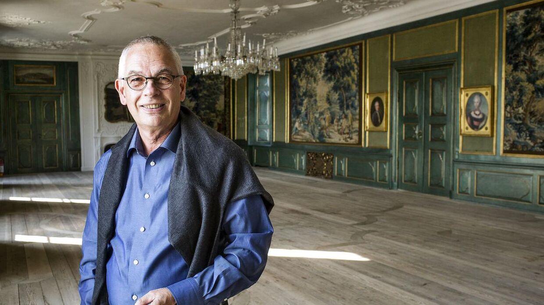 Greve Christian Ahlefeldt-Laurvig-Lehn vakte opsigt, da han meddelte, at hans søn skulle arve godset i stedet for hans datter, der var ældre.