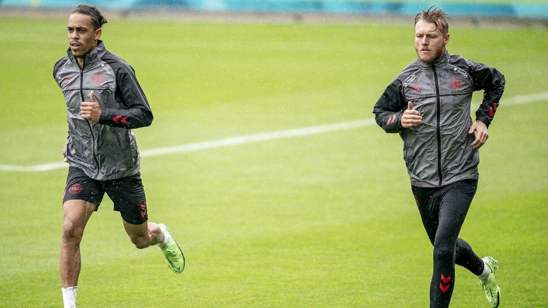 Simon Kjær og Yussuf Yurary Poulsen har været plaget af skader - men ventes klar til kvartfinalen mod Tjekkiet.