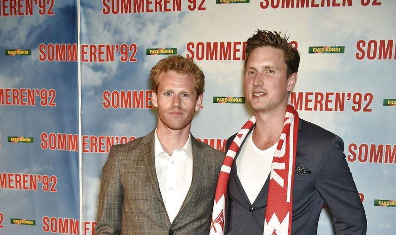 Cyron Melville (tv.) spillede Brian Laudrup i filmen 'Sommeren '92'. Her ses han med Mikkel Boe Følsgaard, der spillede Kim Vilfort. (Foto: Jens Nørgaard Larsen/Scanpix 2015)