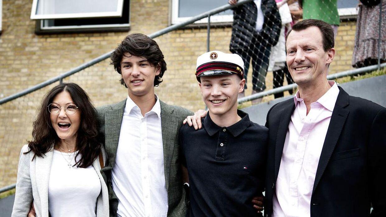 Grevinde Alexandra ses her, da prins Felix for nylig blev student.