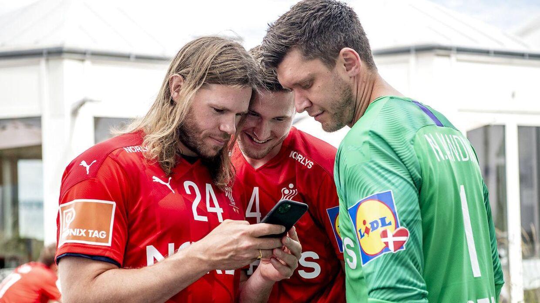 Mikkel Hansen (tv.) sammen med Magnus Landin (i midten) og Niklas Landin.