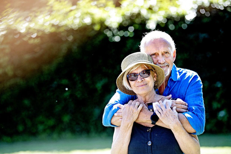 I mere end 50 år er Hanne og Jussi Adler-Olsen gået gennem tykt og tyndt sammen.