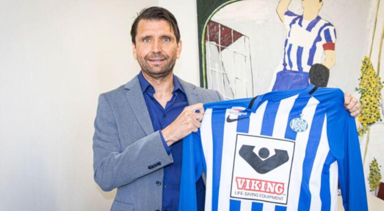 Den 45-årige tysker Peter Hyballa blev præsenteret som Esbjergs nye cheftræner i slutningen af maj.