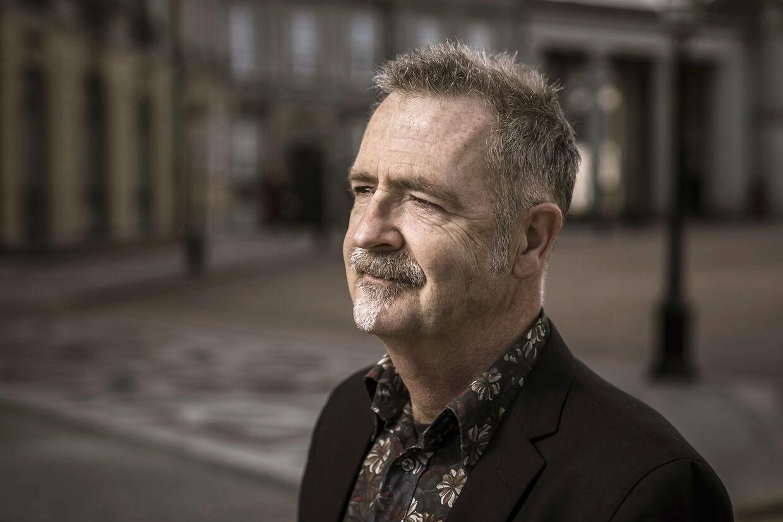 Adrian Lloyd Hughes er aktuel med foredraget 'Min morfar var Mads Skjern' og podcasten 'Mors afskedsbrev'.