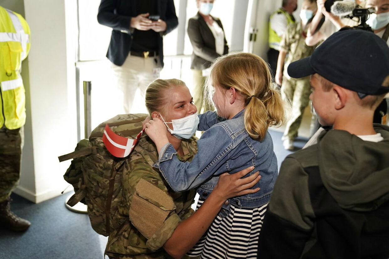 De sidste danske Afghanistan-soldater lander og modtages i Københavns Lufthavn i Kastrup, tirsdag den 22. juni 2021. Forsvarsminister Trine Bramsen og pårørende tager imod soldaterne i lufthavnen.