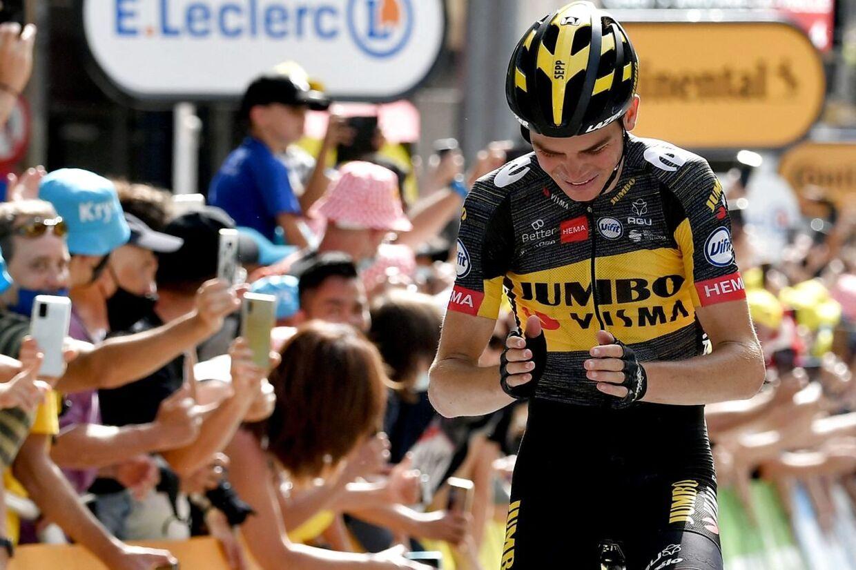 Sepp Kuss i stor triumf på 15. etape af Tour de France.
