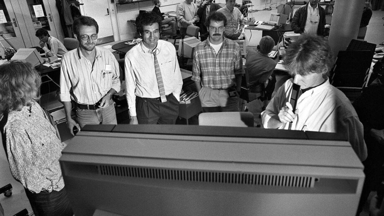 20. oktober 1988, da Steffen Jensen (th.) var med til at starte TV 2. Med på billedet er Anders Karup (tv.) og Samuel Rachlin (i.m.).