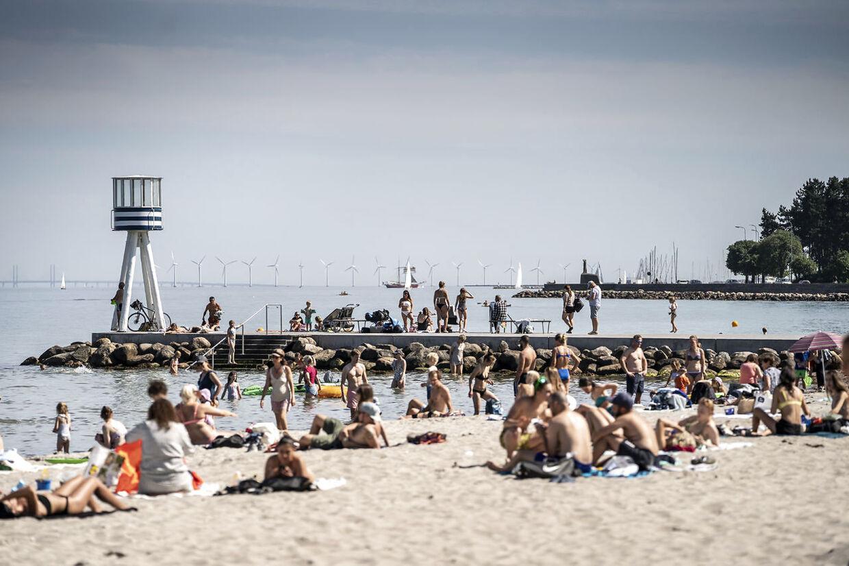 Bellevue Strand og dens lokale gæster bliver behandlet dårligt af udefrea-kommende.