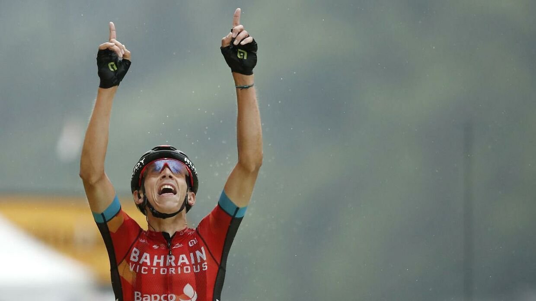 Bahrain Victorious' Dylan Teuns i triumf på Tourens 8. etape.
